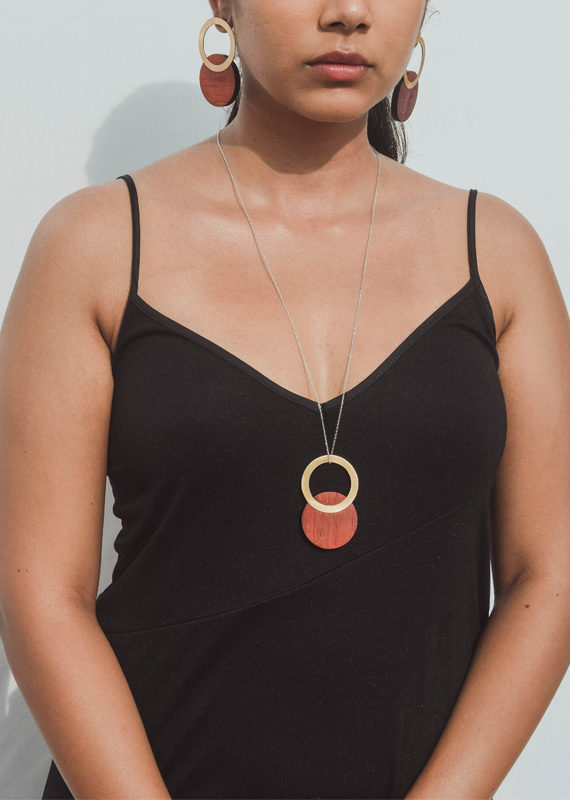 Britz Necklace Orange Model